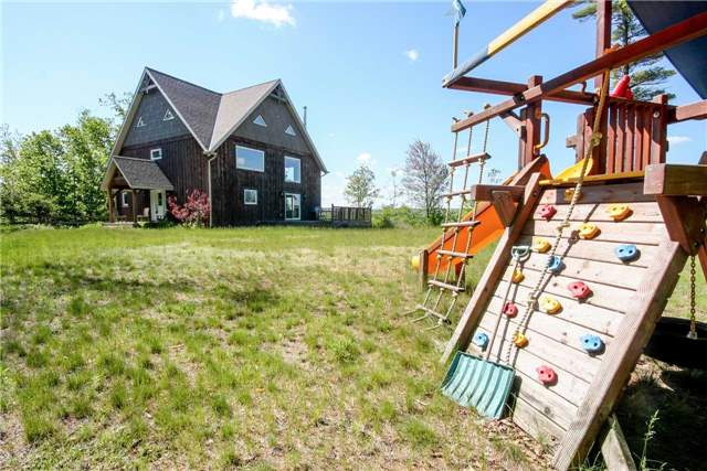 Detached at 838236 4th Line E, Mulmur, Ontario. Image 13