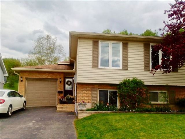 Detached at 2665 3rd Ave, Owen Sound, Ontario. Image 2