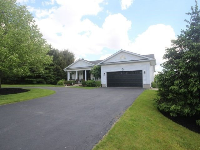 Detached at 15 Chele Mark Dr, Woodstock, Ontario. Image 1