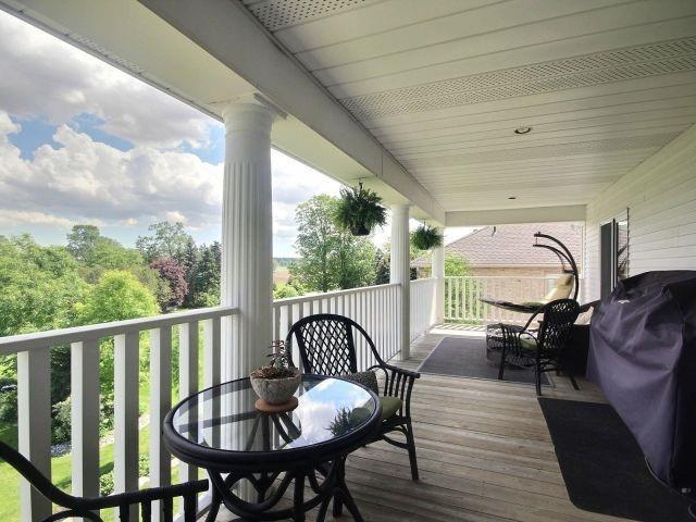 Detached at 15 Chele Mark Dr, Woodstock, Ontario. Image 3