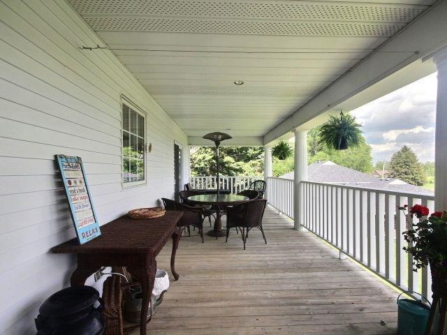Detached at 15 Chele Mark Dr, Woodstock, Ontario. Image 4