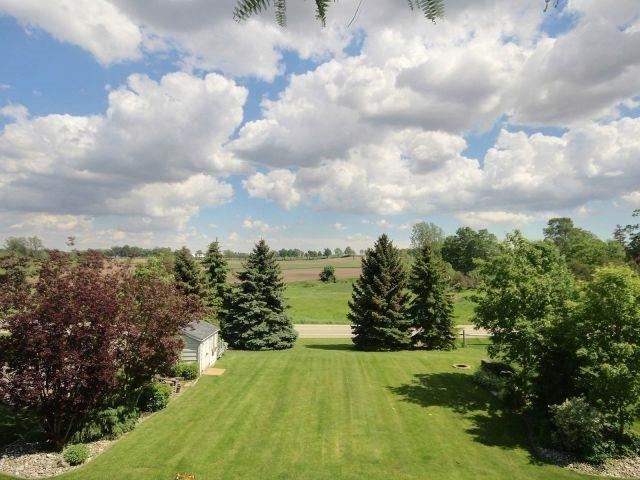 Detached at 15 Chele Mark Dr, Woodstock, Ontario. Image 5