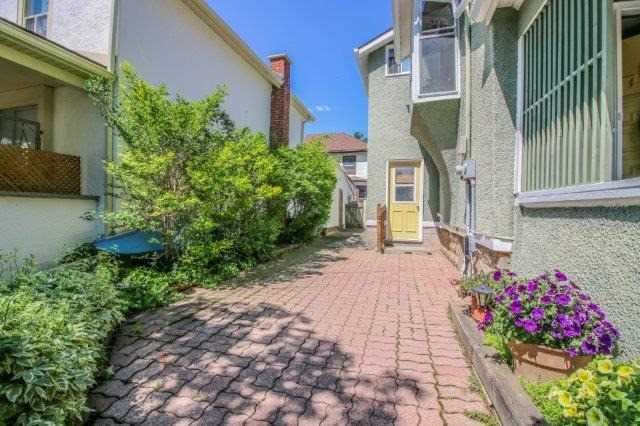 Detached at 39 Shotwell St, Welland, Ontario. Image 17