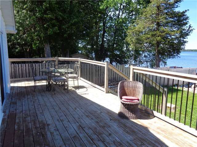 Cottage at 15 Tipperary Crt, Marmora and Lake, Ontario. Image 4