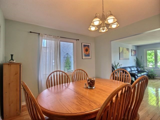 Detached at 24 Stonehenge Pl, Kitchener, Ontario. Image 17