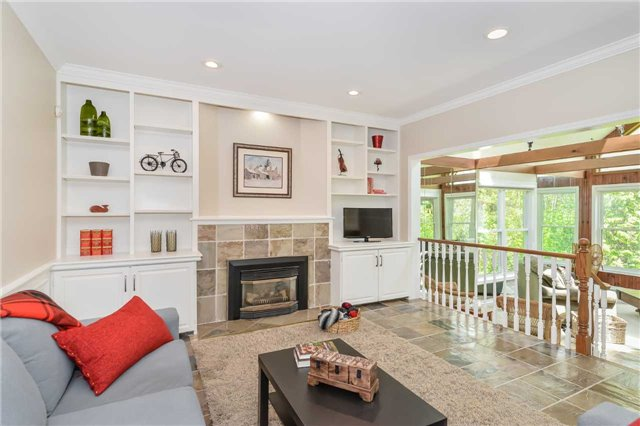 Detached at 121 Cobblestone Pl, Guelph/Eramosa, Ontario. Image 3