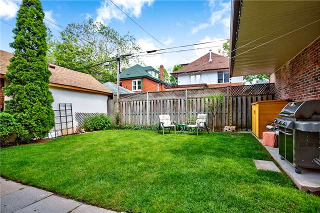 Detached at 153 Holton Ave S, Hamilton, Ontario. Image 9