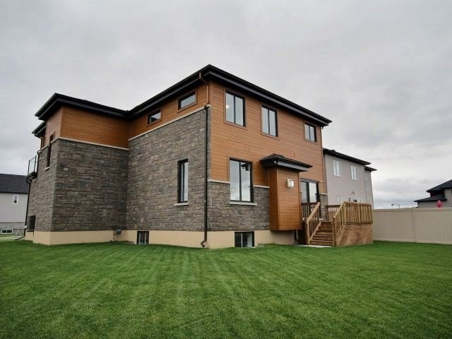 Detached at 1070 Docteur Corbeil  Blvd, Clarence-Rockland, Ontario. Image 11