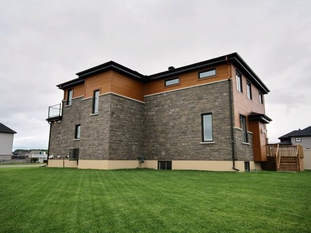 Detached at 1070 Docteur Corbeil  Blvd, Clarence-Rockland, Ontario. Image 13