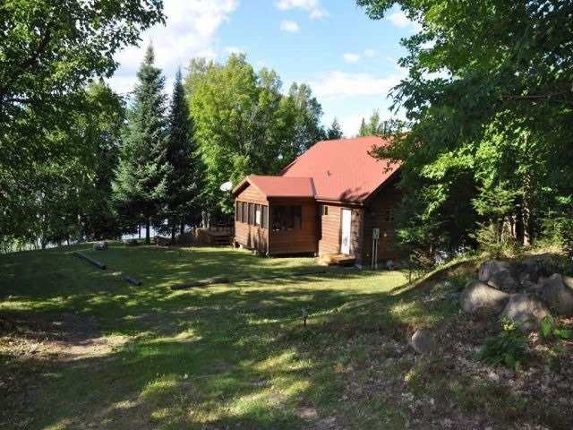 Cottage at 742 Nosbonsing Park Rd, East Ferris, Ontario. Image 4
