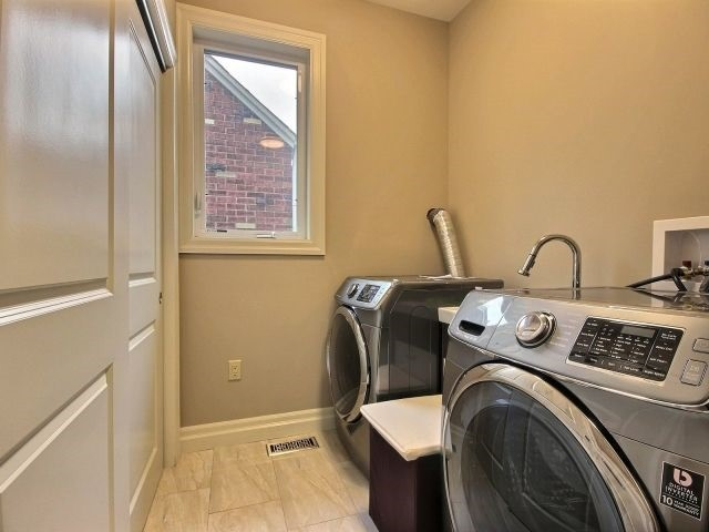 Detached at 2585 Jos St Louis Ave, Windsor, Ontario. Image 19