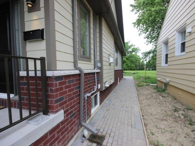 Detached at 2585 Jos St Louis Ave, Windsor, Ontario. Image 11