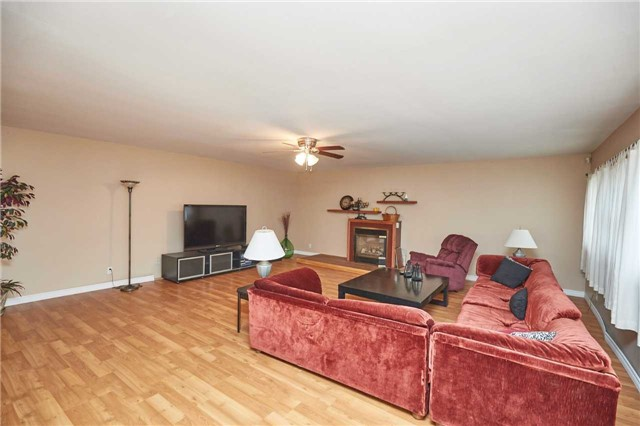 Detached at 88 Lincoln Rd E, Fort Erie, Ontario. Image 9