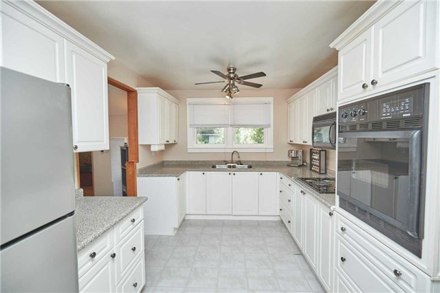 Detached at 88 Lincoln Rd E, Fort Erie, Ontario. Image 3