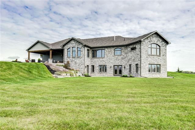 Detached at 4193 10th Line, Port Hope, Ontario. Image 16