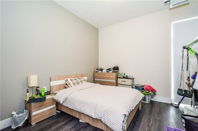 Condo Apartment at 253 Albert St, Unit 213, Waterloo, Ontario. Image 2