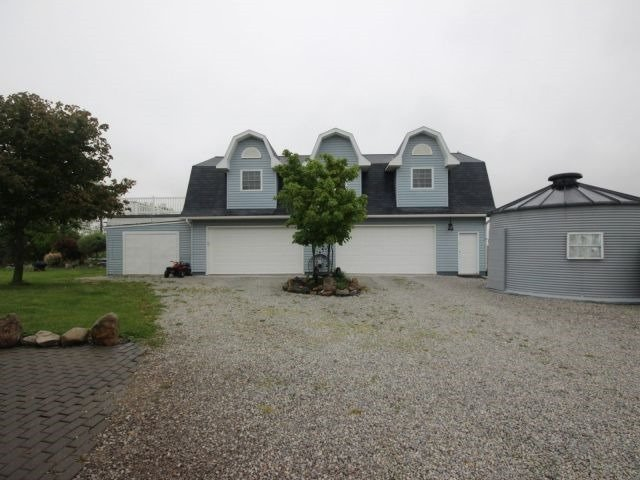 Detached at 4000 Manning Rd, Lakeshore, Ontario. Image 12
