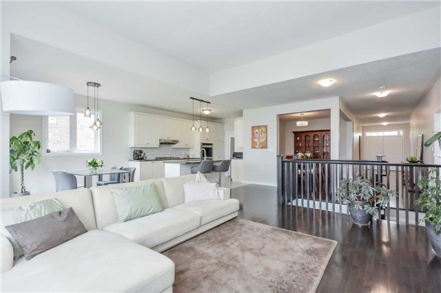 Detached at 149 Aberfoyle Mill Cres, Puslinch, Ontario. Image 3