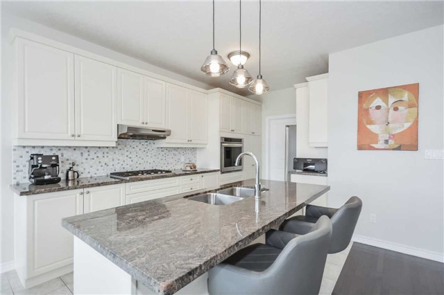 Detached at 149 Aberfoyle Mill Cres, Puslinch, Ontario. Image 5