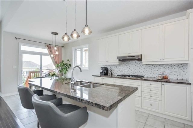 Detached at 149 Aberfoyle Mill Cres, Puslinch, Ontario. Image 7