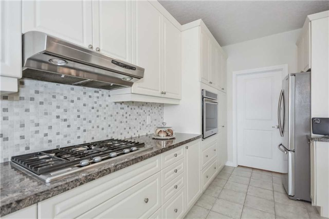 Detached at 149 Aberfoyle Mill Cres, Puslinch, Ontario. Image 10