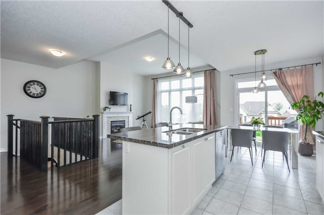 Detached at 149 Aberfoyle Mill Cres, Puslinch, Ontario. Image 11