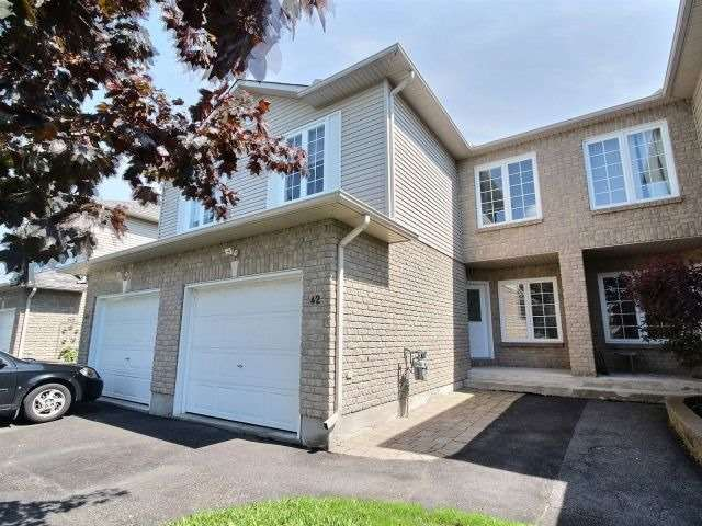 Townhouse at 42 Roger Cres, Casselman, Ontario. Image 1