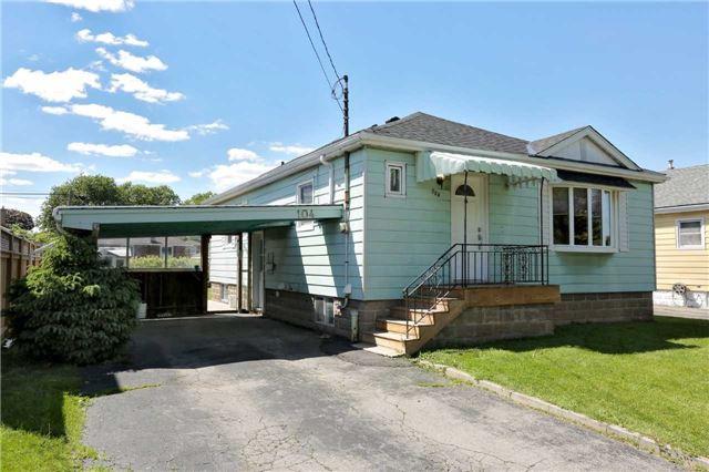 Detached at 104 Clarendon Ave, Hamilton, Ontario. Image 1