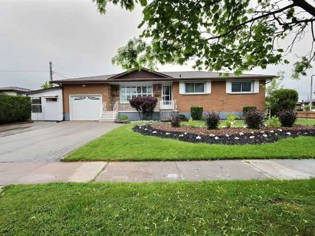 Detached at 121 Garon Ave, Welland, Ontario. Image 1