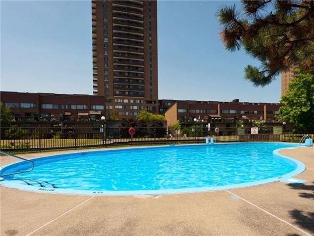 Condo Apartment at 515 St. Laurent Blvd, Unit 1908, Ottawa, Ontario. Image 2