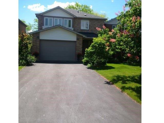 Detached at 33 Grindstone Way, Hamilton, Ontario. Image 1