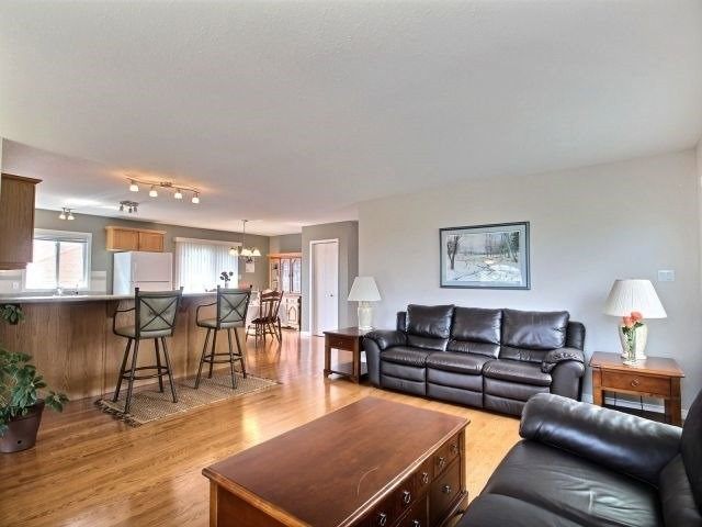 Detached at 2 Riverview Rd, Ingersoll, Ontario. Image 20