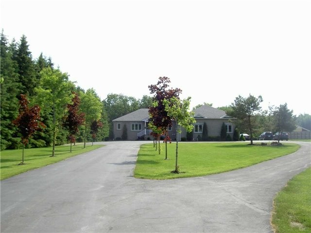 Detached at 933075 Airport Rd, Mono, Ontario. Image 4