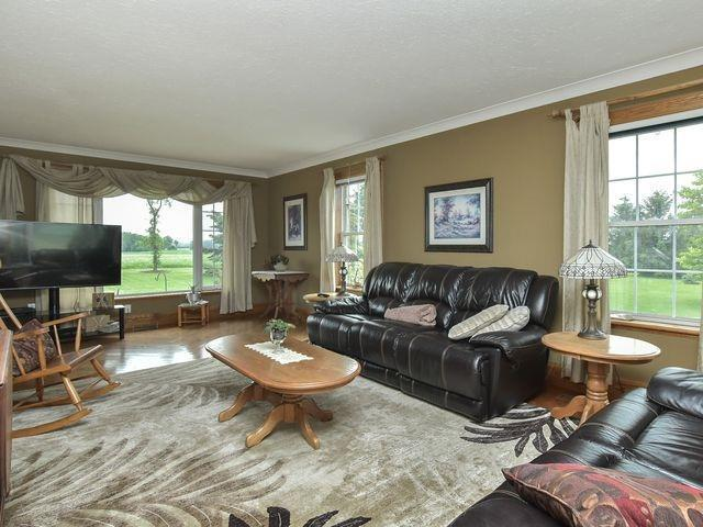 Detached at 706082 County Road 21 Rd, Mulmur, Ontario. Image 2