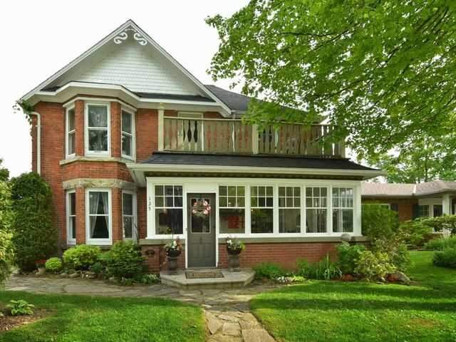 Detached at 135 First Ave W, Shelburne, Ontario. Image 1