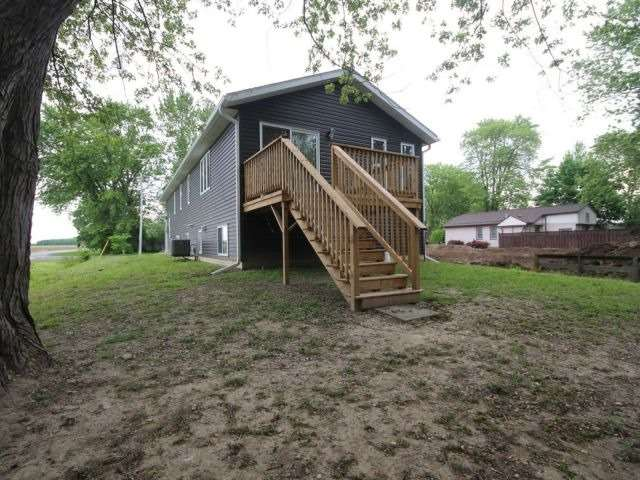 Detached at 1071 Sycamore Ave, Kingsville, Ontario. Image 10