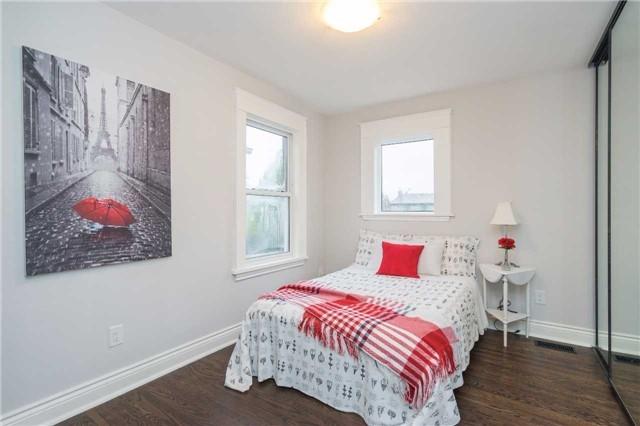 Detached at 205 Edgemont St S, Hamilton, Ontario. Image 8
