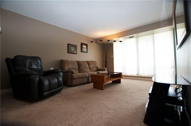 Condo Apartment at 6 Willow St, Unit 2008, Waterloo, Ontario. Image 16