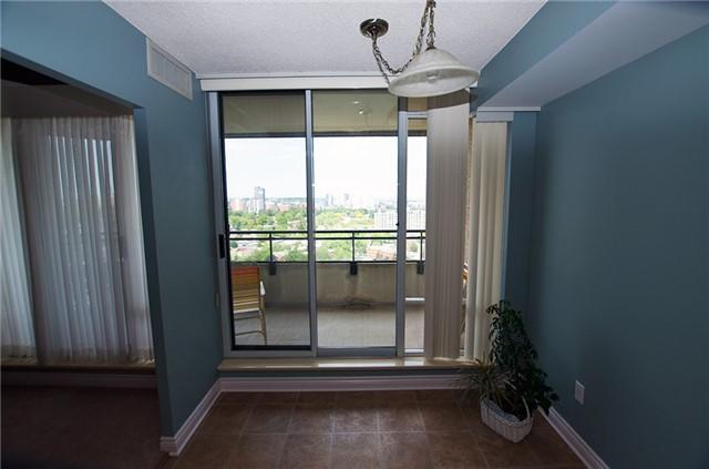 Condo Apartment at 6 Willow St, Unit 2008, Waterloo, Ontario. Image 19