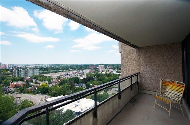 Condo Apartment at 6 Willow St, Unit 2008, Waterloo, Ontario. Image 8