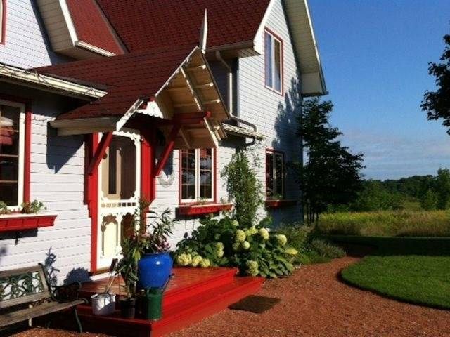 Detached at 135 Allenford Rd, South Bruce Peninsula, Ontario. Image 5