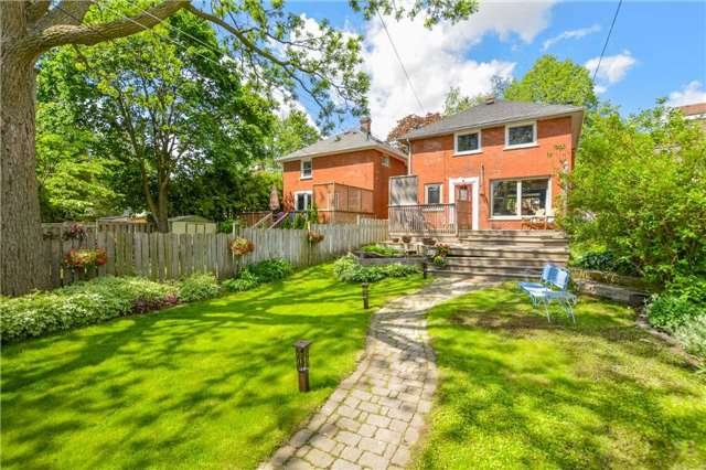 Detached at 83 Barrie St, Cambridge, Ontario. Image 2