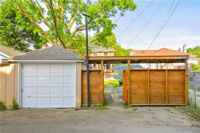 Detached at 83 Barrie St, Cambridge, Ontario. Image 4