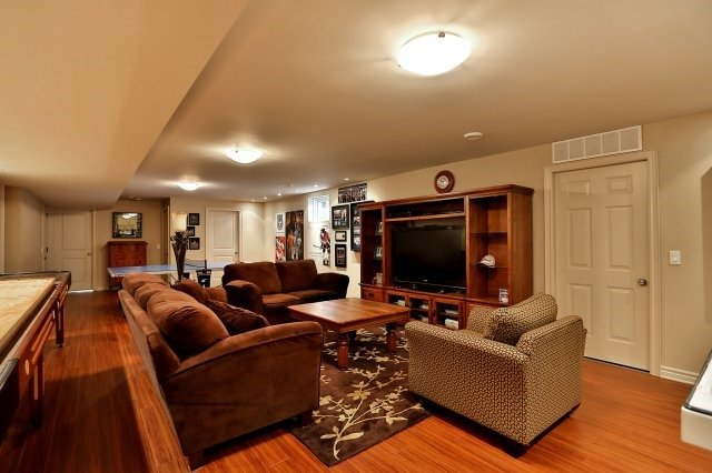 Detached at 3186 Culp Rd, Lincoln, Ontario. Image 6