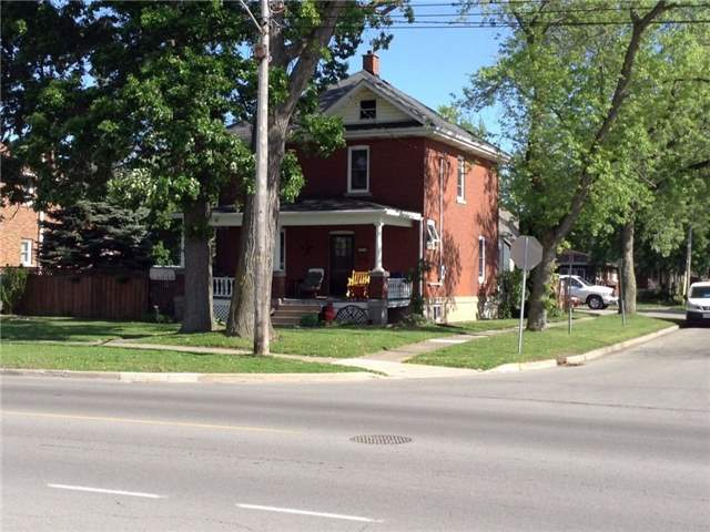 Detached at 819 East Main St, Welland, Ontario. Image 1