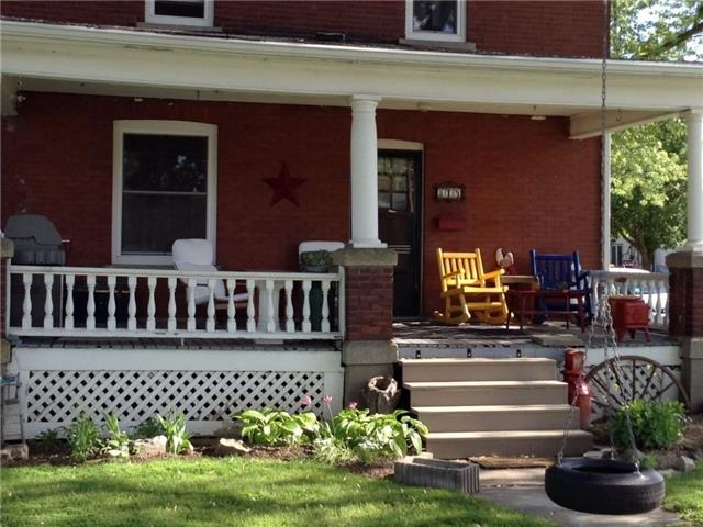 Detached at 819 East Main St, Welland, Ontario. Image 2
