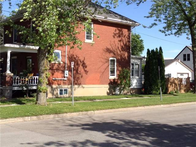 Detached at 819 East Main St, Welland, Ontario. Image 4