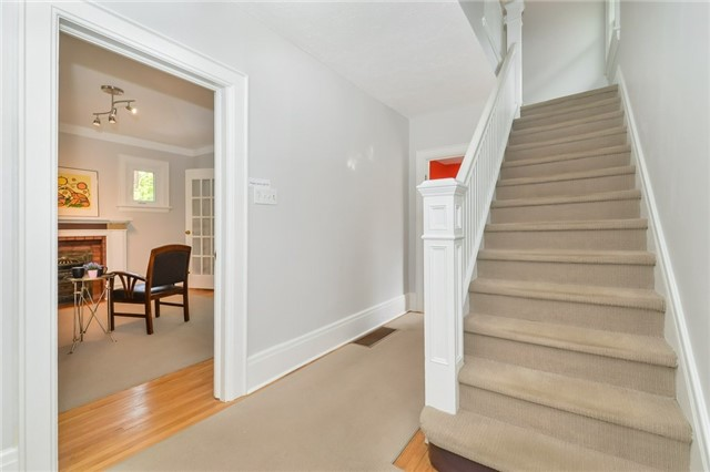 Detached at 591 Woolwich St, Guelph, Ontario. Image 8