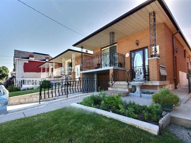 Detached at 50 Tisdale St N, Hamilton, Ontario. Image 14