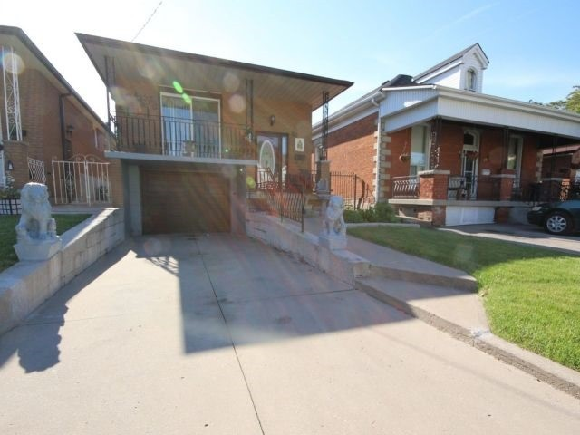Detached at 50 Tisdale St N, Hamilton, Ontario. Image 15